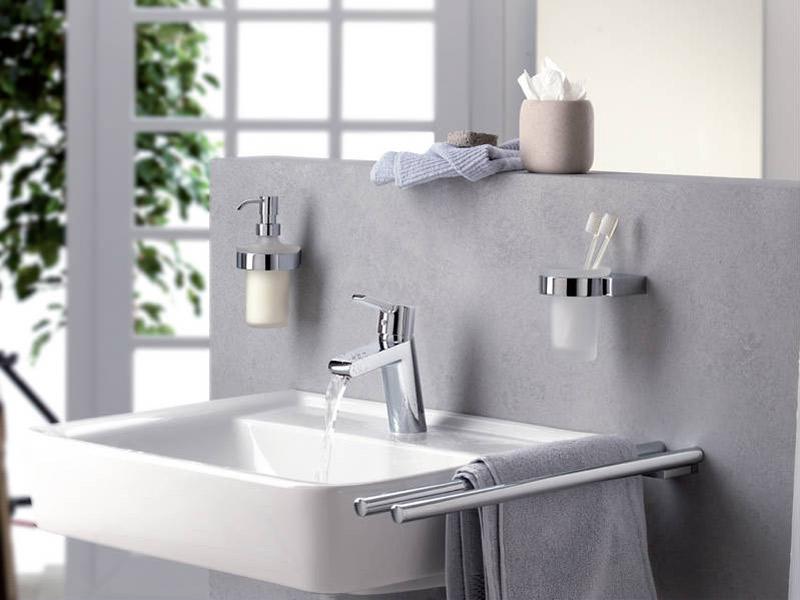 Сантехника и аксессуары для ванной комнаты