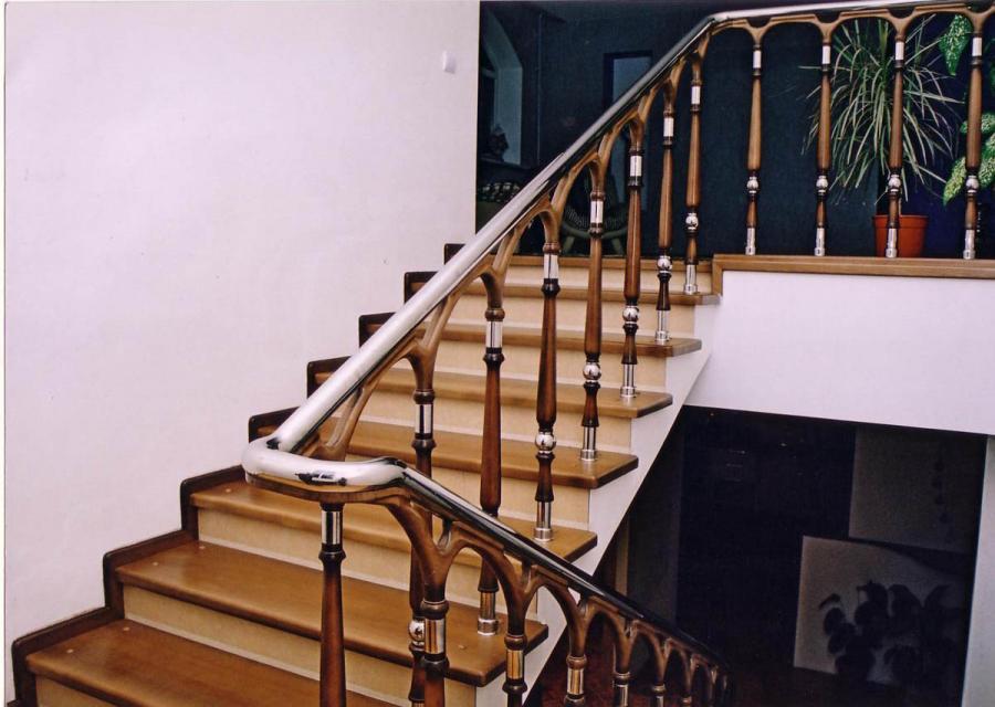 Деревянные лестницы – цена и факторы ее колебаний